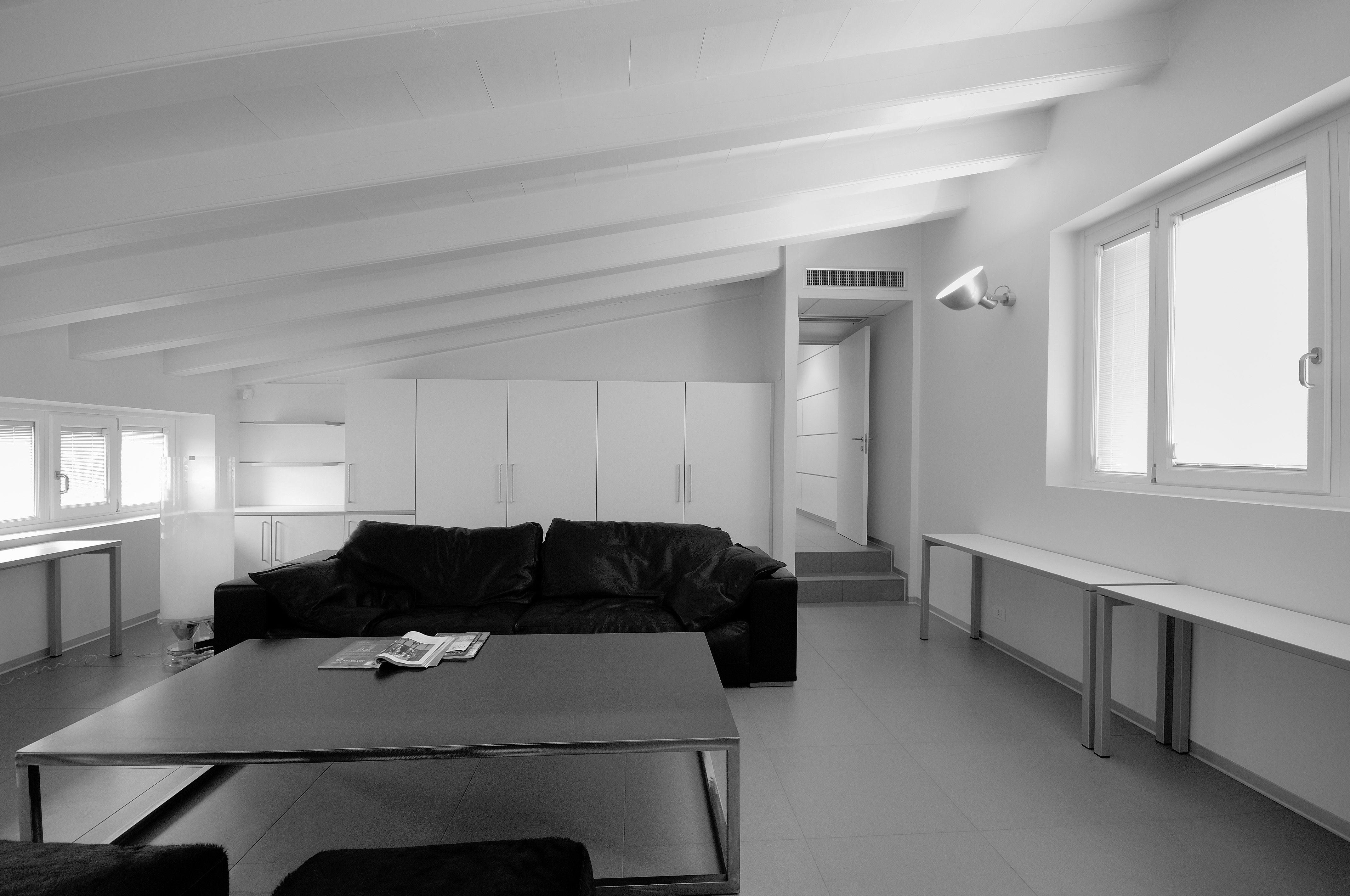 Pannello sughero isolante idee di architettura d 39 interni for Arredamento studio odontoiatrico